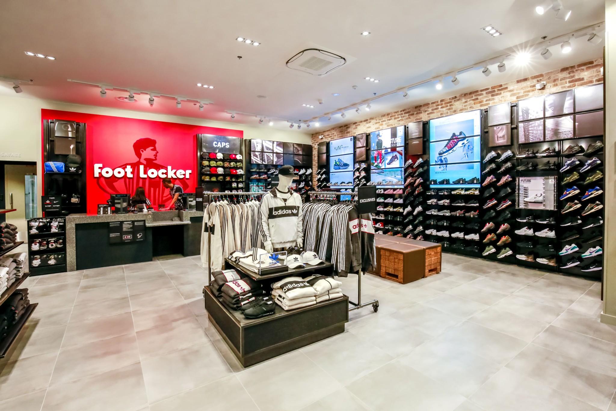 nouveau style 8badd c301a Foot Locker - Centre commercial Carrefour Grand Evreux